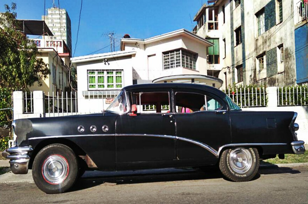 voiture avec chauffeur cuba raudel je pars cuba. Black Bedroom Furniture Sets. Home Design Ideas