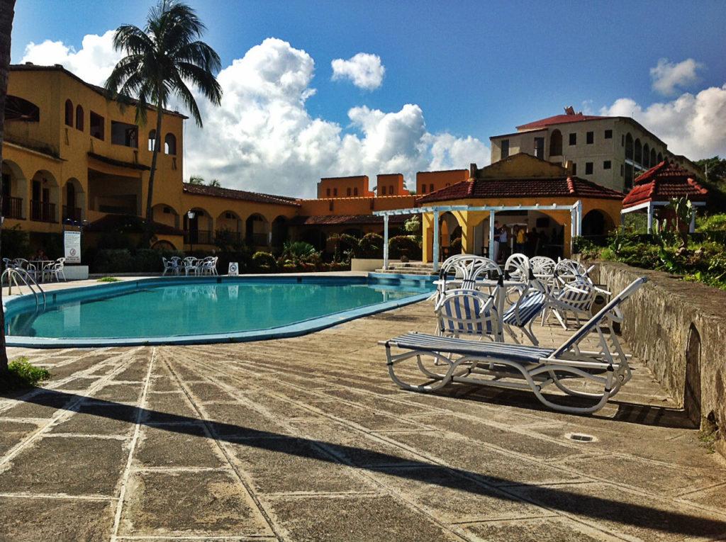 Baracoa la terrasse et la piscine del Castillo
