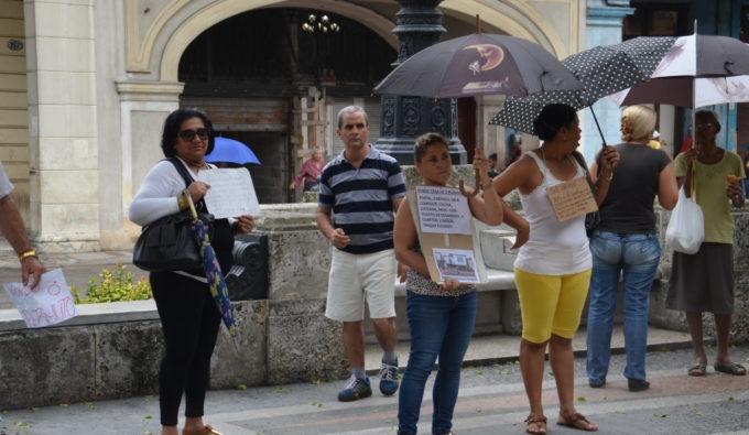 A Cuba, on achète et on vend sa maison dans la rue