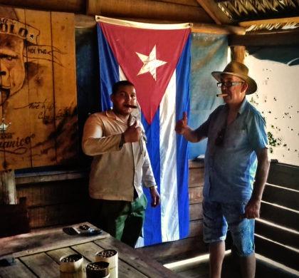 Cuba est fête, malecon, dominos et carnaval